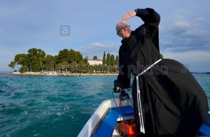 Franciscan driving boat (2)